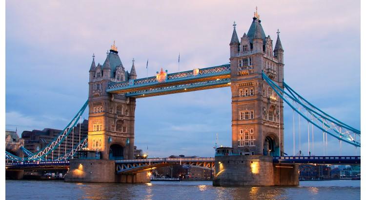 Londra - Adjud